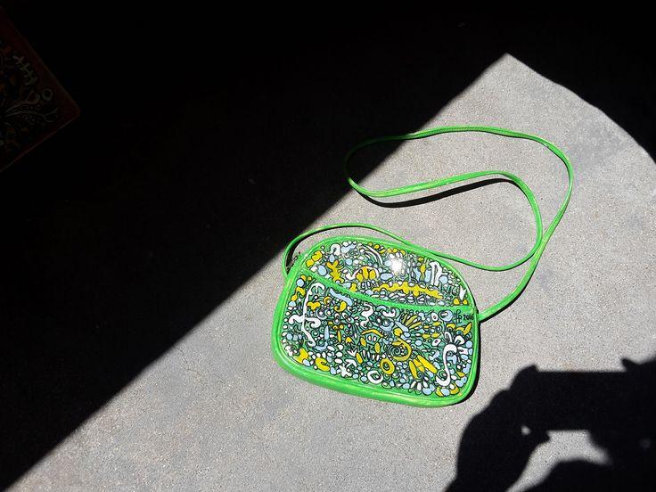 """Green Street"" sac blanc relooké par Modus. www.moduscray.com"