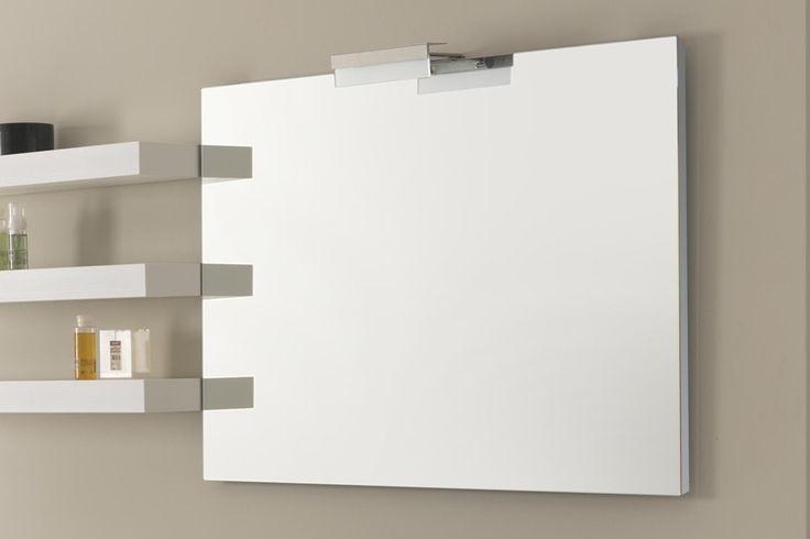 Kim - Specchio con zornige alluminio Lo specchio con cornice in alluminio, spessore 2 cm, è disponibile in una vasta gamma di misure e potrà così soddisfare anche le esigenze più particolari. Gli specchi seguono le normative vigenti, sono senza supporto metallico di rame per resistere più a lungo nei locali ad alta umidità, come l'ambiente bagno. Oltre a rispettare l'ambiente hanno più resistenza all'invecchiamento e agli agenti aggressivi.