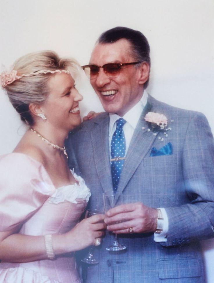 Ron Kray married Kate in Broadmoor Hospital.