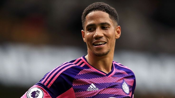 Ex-South Africa international winger Steven Pienaar retires aged 35