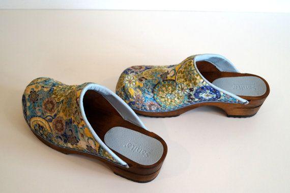 Wood clogs  Boho shoes Vintage wooden clogs Eur38 by vintagdesign