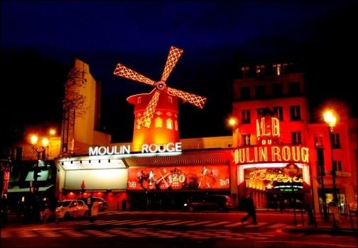 A Pigalle si trova il Moulin Rouge e molti altri locali a luci rosse. E' questo il quartiere hot di Parigi, tra ballerine in topless e locali di spogliarello. http://www.marcopolo.tv/francia/pigalle-quartiere-luci-rosse-parigi-moulin-ro