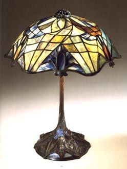 Bat Tiffany Lamp. omg i have to have this!!