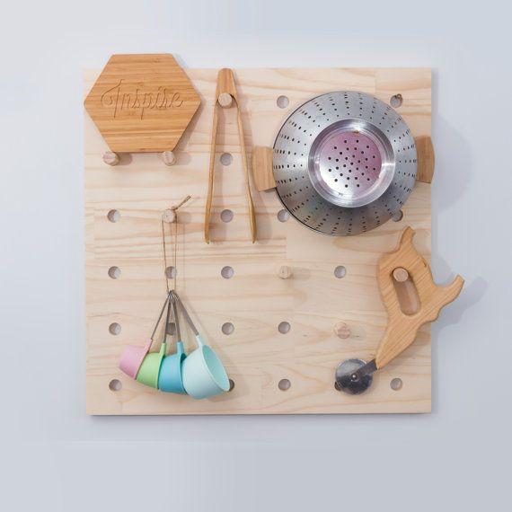 Ecofriendly Solid pin Peg Board, Board piquet de bois avec des pinces à gros goujon, affichage, panneau perforé de 60cmx60cm, prêt à l