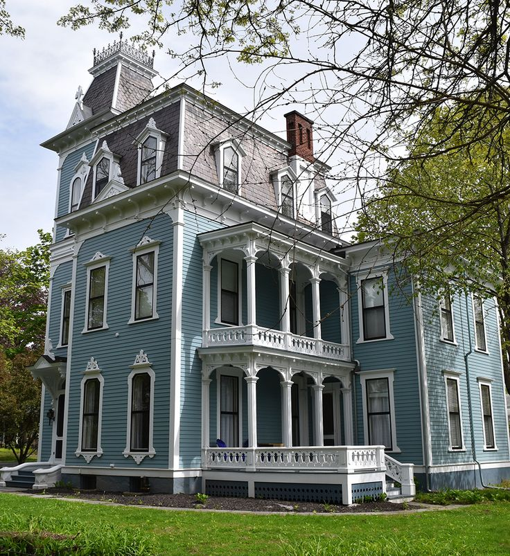Mansard Roof Definition and Advantages | Old victorian ...