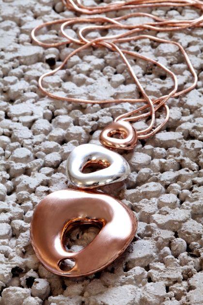 Alla hjärtans dag present?? Rose guld pläterat halsband med 81cm lång kedja