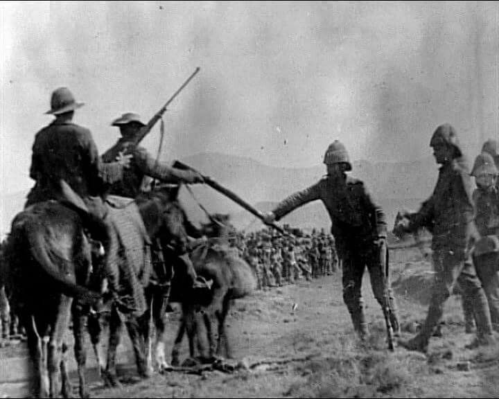 Boers handing over their weapons