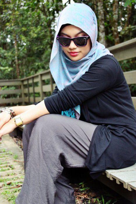 WAYFARERS & HIJAB FASHION  Source http://hijab-fashion.tumblr.com/post/10033852930