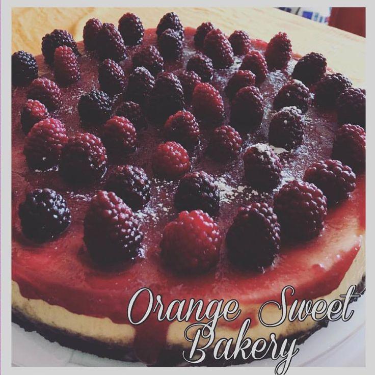 Blackberry oreo's cheesecake