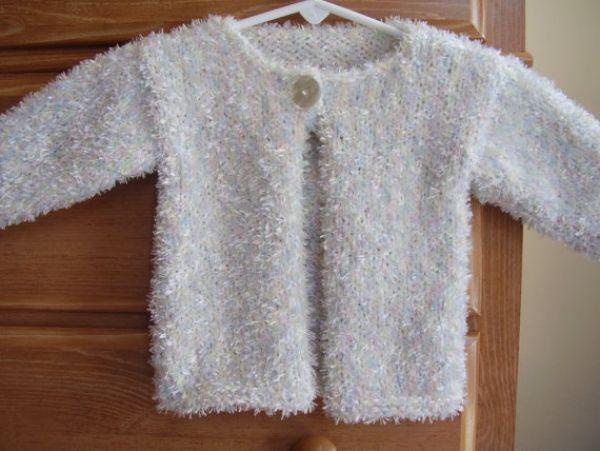 Sakallı ipten tek düğmeli bebek ceket modelleri ve yapılışı