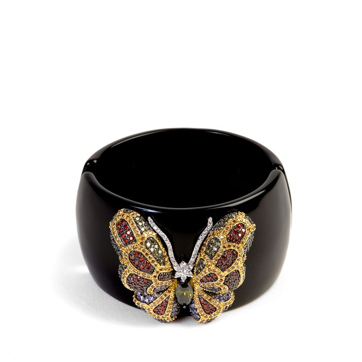 Butterfly #bangle for your sporty chic outfit. Discover the #Ultimaedizione #bracelets collection.