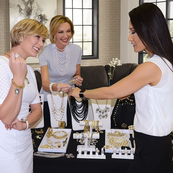 4 perks of shopping with a Traci Lynn Jewelry consultant.