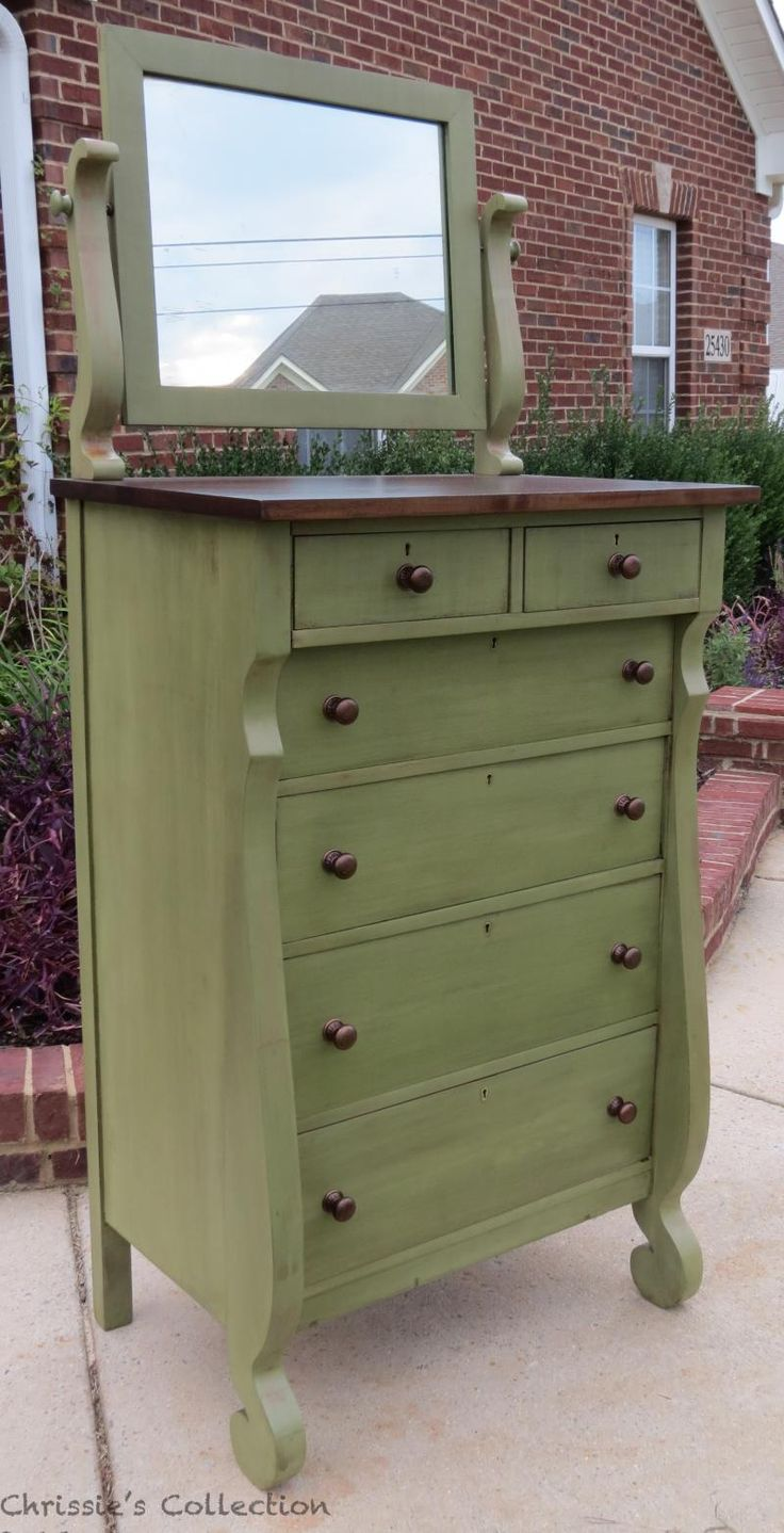 milk painted furniture...over 65 pics of finished works. Great Inspiration. - 67 Best Chalk Paint Furniture Images On Pinterest Creative