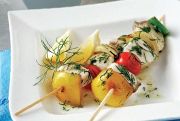 Μαριναρισμένο σουβλάκι ξιφία με λαχανικά