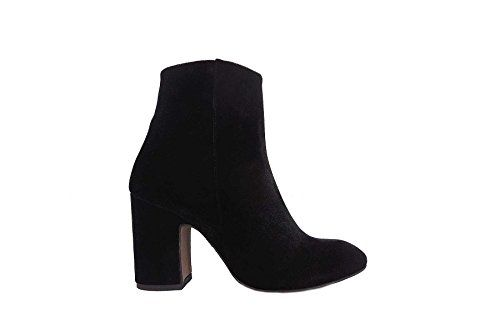 Stivaletti Joyce Milano con tacco 9 in velluto scarpe don... https://www.amazon.it/dp/B01N7MAO6B/ref=cm_sw_r_pi_dp_x_hFYPyb81Y38XJ