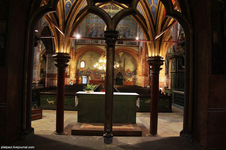 Страсбург. Церковь святого Петра Молодого. -   католическая  ее  часть.  ФотоПутешествия с Паулем )