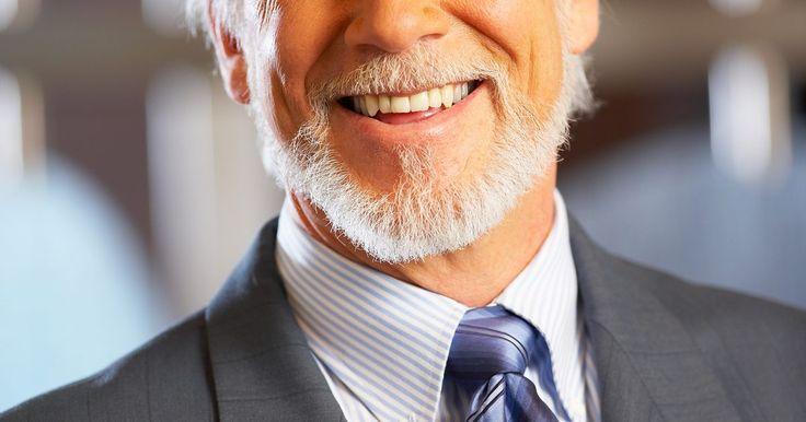 Cómo evitar una barba con picazón. Los hombres suelen dejarse crecer la barba en sus rostros por diversas razones y en diferentes estilos. Algunas son barbas de cara completa, mientras que hay otros tipos parciales de barba como perillas. Los hombres que tienen barbas a menudo se quejan de la picazón que experimentan con ellas, y con frecuencia buscan formas de evitar esto. El ...