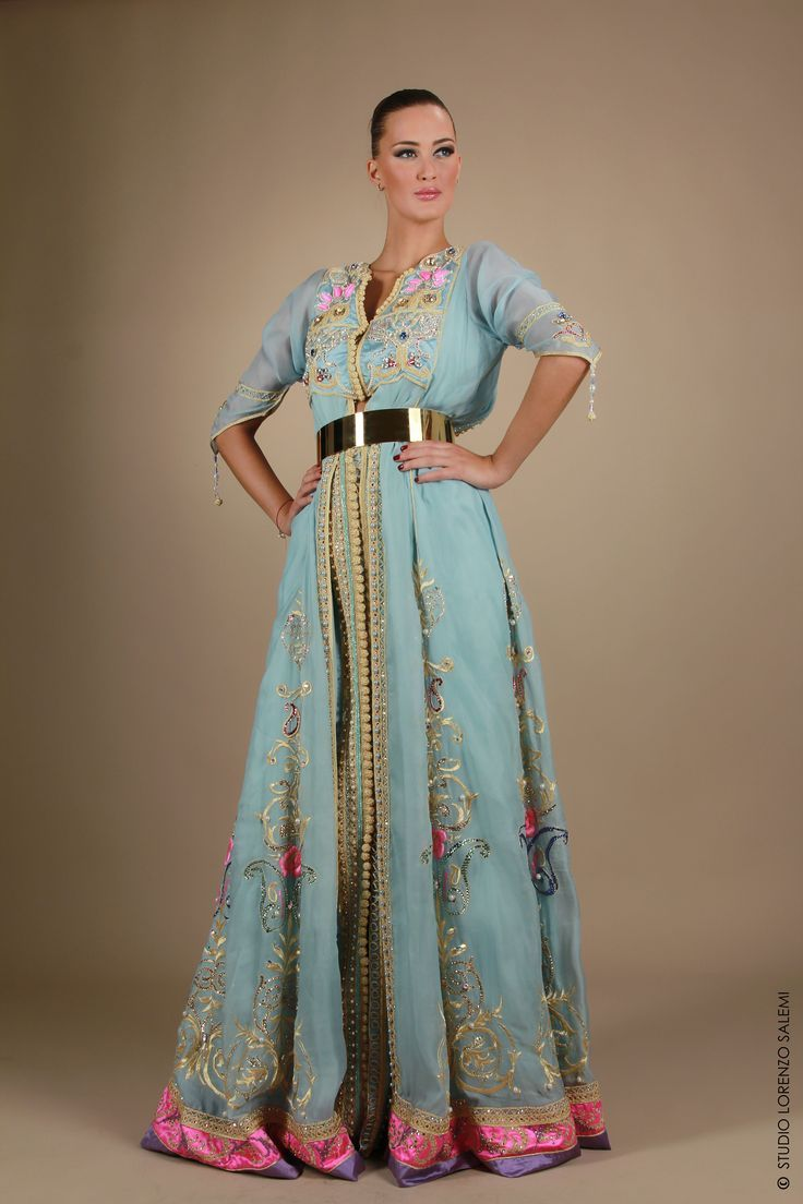 best caftanes images on pinterest caftan marocain abayas and
