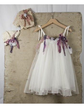 Φορεματάκι με μεταξωτά λουλούδια. Το πλεκτό ζακετάκι και το πλεκτό καπελάκι αν επιλεχθούν τιμολογούνται ξεχωριστά.