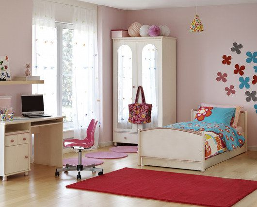 5-Easy-Steps-to-Organizing-Your-Bedroom_530x426_T5hero.jpg