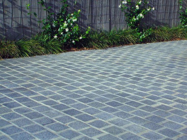 Silver Grey Cobblestones - Supplied by Sareen Stone. www.sareenstone.com.au