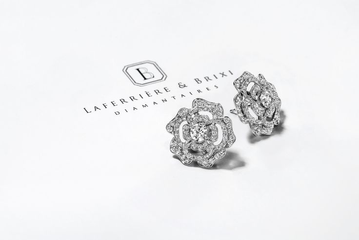 Diamond earrings Boucle en diamant