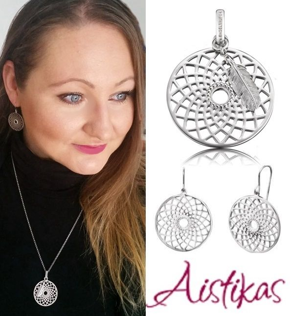 The set includes: PENDANT DREAMCATCHER SILVER ERP-DREAM EARRINGS DREAMCATCHER SILVER ERE-DREAM  The set dose not include the chain.