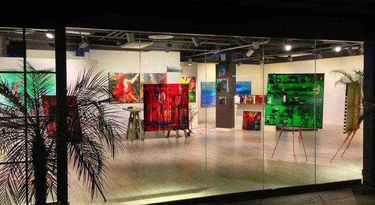 Moments of Love - vernissage med Fredrik Olsen i samarbete med XIKO Art