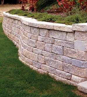 retaining wall - will be building this in the next week or so with a little help from Dad and Ben!