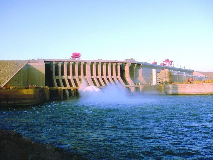 Le #PrésidentGuinéen lance les travaux d'un barrage de 450 MW construit par une société chinoise #CWE #Guiné #HydroÉlectricité https://fr.adalidda.net/?cat%5B0%5D=energieren