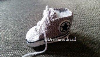 Haakpatroon Converse Babyschoentjes