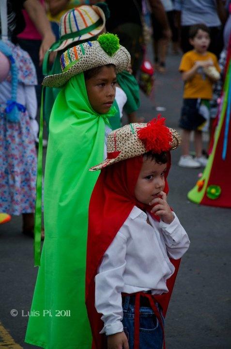 Niños parte de la Danza del Torito guapo