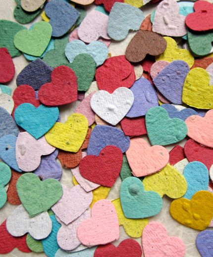 Confetti hearts that you can leave in the garden and will turn into plants