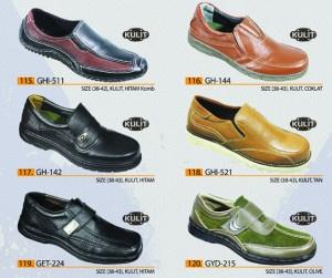 Mungkin kita tidak akan menyangka bahwa sepatu kulit Indonesia cukup terkenal.