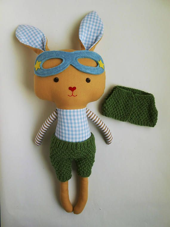 Superhero bunny in knit wear accessories by La Loba Studio #superhero #bunny #knitdollclothing #lalobastudio #dolls
