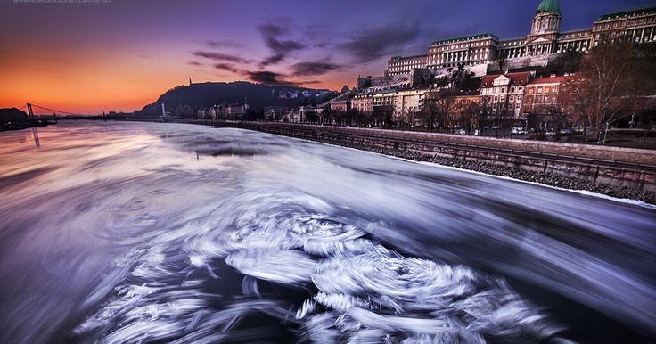 I Captured The Rare View Of The Frozen Danube In Budapest | Bored Panda