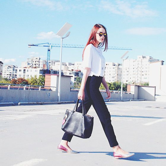 Get this look: http://lb.nu/look/7747390  More looks by Andreea Birsan: http://lb.nu/andreeabirsan  Items in this look:  Furla Tote Bag, Christian Dior Sunglasses, Zara Tshirt, Mango Suit Pants, Debenhams Flats   #casual #minimal #street #glitter #flats #leather #furla #ombre