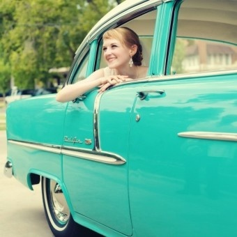 Ahhh, 57 Chevy..I had one in 1965...only I wished it was this color, but it was all white..loved it anyway.