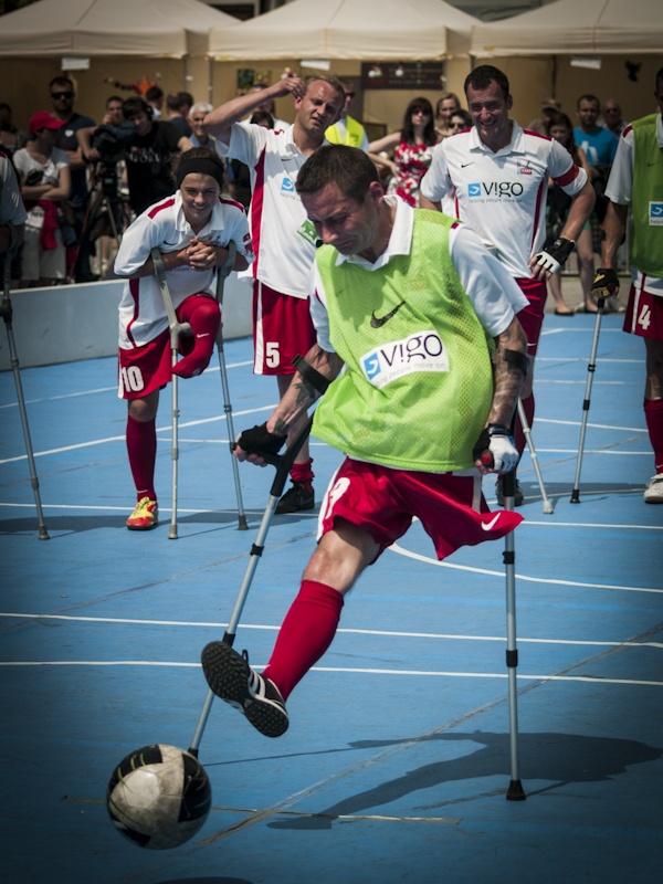 Mecz AMPFutbolu podczas Zwyciężać Mimo Wszystko 2012 (fot. Diamonds Factory)