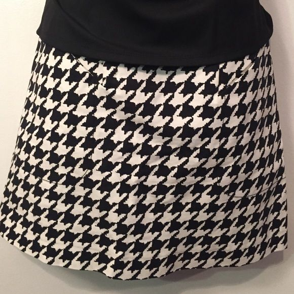 H&M BLACK & WHITE mini skirt Make a statement!  Add a splash of color to this mini and become the talk of the event! H&M Skirts Mini