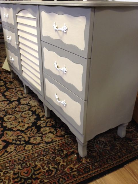 Side View of revived Piece Chalk Paint® @Phantastic Phinds of Country Grey and French Linen