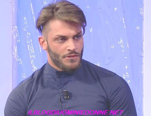 La puntata di oggi di #uominiedonne un video compromettente su Mariano Catanzaro con la ex (?)