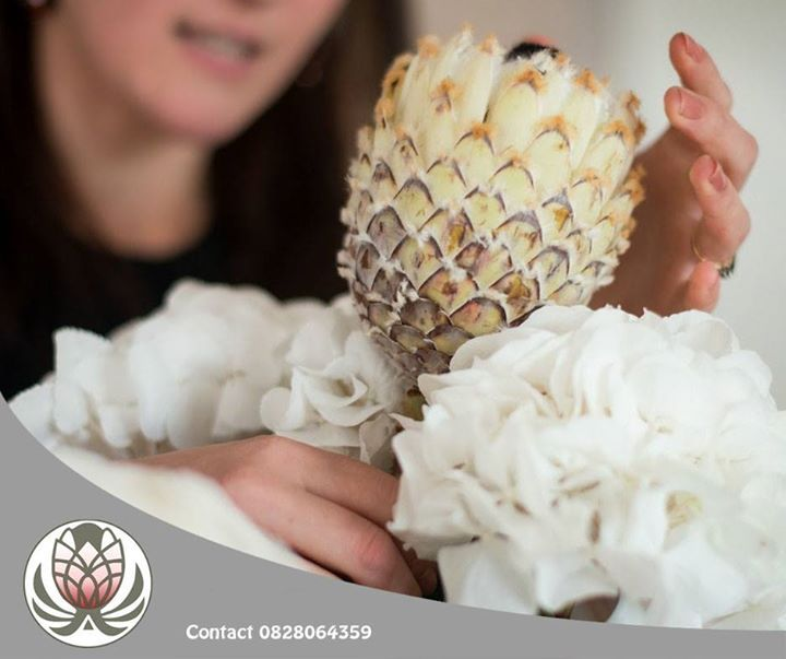 At Bofberg Flowers we are well known for our protea and fynbos themed mood boards! Order yours now while pink king proteas are still in season. #flowers #lifestyle