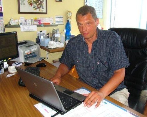 BRATISLAVA –Boris Hruškovič z Imunologického a alergologického centra Imuno-Alergo v Bratislave o sebe hovorí ako o medicínskom kacírovi. Nerád pacientom predpisuje tabletky, pretože zákony ľudskej imunity sa nedajú len tak ľahko oklamať. Alarmujúce podľa neho je, že v roku 2050 bude polovica populácie na niečo alergická.