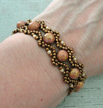 Linda's Crafty Inspirations: Bracelet of the Day: Esther with Cabochons - Rose Gold
