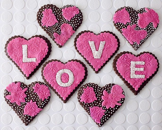 551 best Valentine\'s Day images on Pinterest   Cookies, Valentines ...