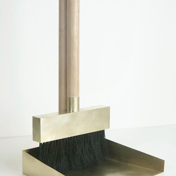 Brass Dustpan and Broom by Studiokyss  See more at http://www.transfer.design  #transferdesign #design #blog #brass #interior #broom #studiokyss See more great design at www.transfer.design