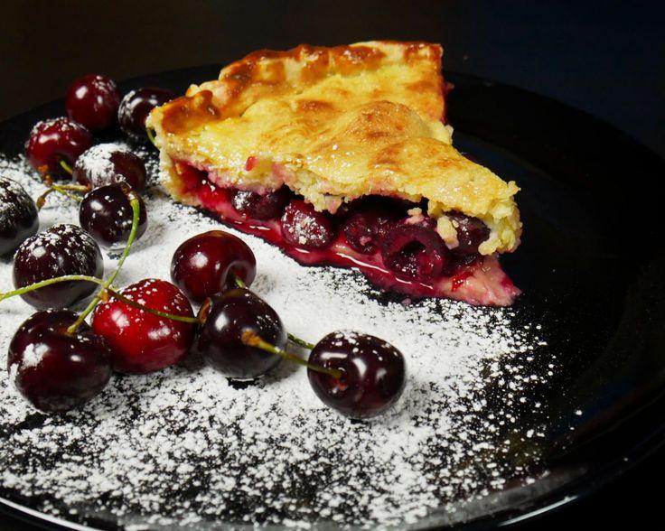 Ζουμερή κερασόπιτα με μπισκοτένιο φύλλο – foodaholics.gr