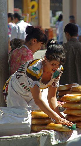 Vendedor de pan. Samarcanda, Uzbekistán