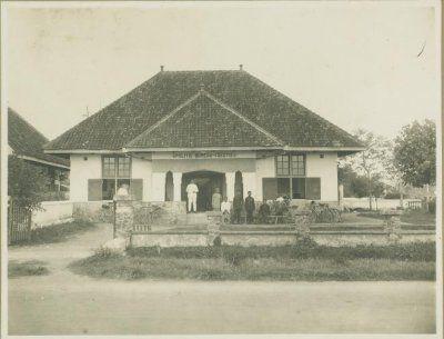 Politiebureau 1e sectie te Soerabaja (Polsek Genteng) 1924